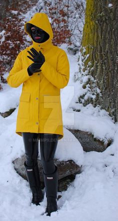 Winter wear by on DeviantArt Pvc Raincoat, Yellow Raincoat, Fetish Fashion, Latex Fashion, Rain Fashion, Girl Fashion, Hunter Wellies, Hunter Boots, Latex Costumes