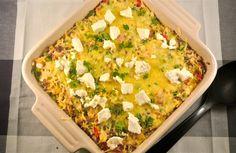 Een heerlijke maar simpele rijstovenschotel met paprika, prei en gehakt.