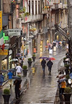 Naples, Italy Rainy Day (Via Chiaia) Italy Vacation Packages, Places To Travel, Places To See, Naples Italy, Sorrento Italy, Capri Italy, Sicily Italy, Italy Art, Italy Holidays