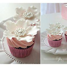 White Flower Cupcakes