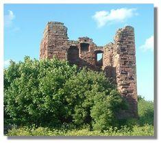 Bill's ggggg grandfather was Alexander MacDuff of Clan MacDuff. This all that is left of MacDuff Castle.