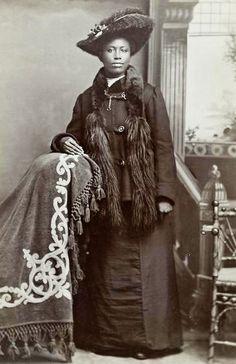 "::::::::::: Antique Photograph ::::::::::::  Studio Portrait of Mrs. William W. ""Fannie"" Hendricks.  Wisconsin."