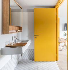 Eden Locke Edinburgh Hotel Interior by Grzywinski + Pons – Design. Interior Tropical, Interior Pastel, Interior Design Yellow, Interior Modern, Hotel Door, Yellow Bathrooms, Bathroom Interior Design, Interior Doors, Kitchen Interior