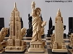Themed chess sets, theme chess pieces, high quality luxury chess sets. The unmistakeable and breathtaking New York skyline!  Not to mention the mounted police and cars. Yes, it's all here in our special New York (Limited Edition) theme chess set.