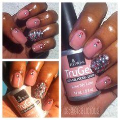 Gel polish with rhinestones #trugel #lovemylatte #ezflowtrugel #ezflow #gelpolish