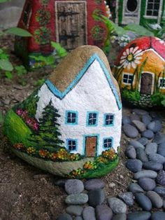 Painted Rocks as Fairy Houses for Garden home fantasy rocks garden paint diy fairy garden ideas fairy garden mini gardens Pebble Painting, Pebble Art, Stone Painting, Rock Painting, Painting Flowers, Stone Crafts, Rock Crafts, Arts And Crafts, Diy Crafts