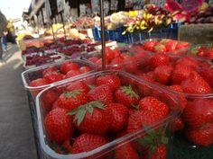 Czary w kuchni- prosto, smacznie, spektakularnie.: Bo najważniejsze w kuchni są składniki... Strawberry, Fruit, Kitchen, Food, Cooking, Kitchens, Essen, Strawberry Fruit, Meals
