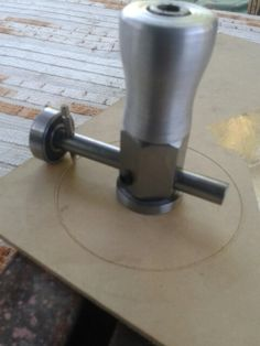 Luthier tool rosette cutter