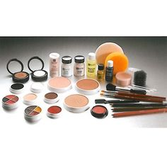 Ben Nye Theatrical Cake Kit | Professional Quality Makeup for Live Performance & Theatre | MakeupMedley.com