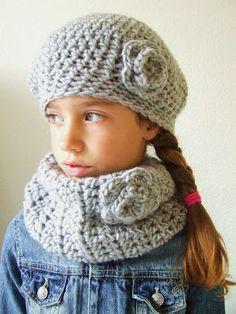 Beschrijving muts plus col. Crochet Toddler, Crochet Bebe, Cute Crochet, Crochet For Kids, Crochet Toys, Knit Crochet, Stitch Crochet, Crochet Chart, Crochet Patterns