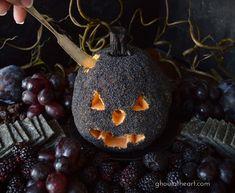 Halloween Goodies, Spooky Halloween, Halloween Treats, Happy Halloween, Halloween Party, Halloween Decorations, Spooky Food, Halloween Night, Halloween Stuff