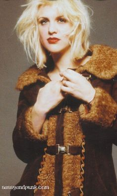 Courtney Love with her trademark bleached blonde disheveled hairdo c. 1993. #grunge