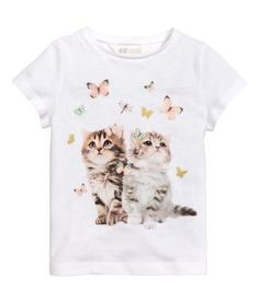 Welcome to H&M, we offer fashion and quality clothing at the best price in a sustainable way. H&m Kids, Kids Girls, Little Girls, Kids Outfits Girls, Girl Outfits, Baby Boy T Shirt, Kids Nightwear, Kawaii, Girl Costumes