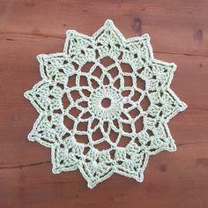 Ravelry: Stel's Vintage Motif pattern by Brenda Grobler-small doily