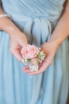 Beautiful 51 Most Stunning Wedding Corsage For Your Wedding Homecoming Corsage, Bridesmaid Corsage, Wrist Corsage Wedding, Rose Corsage, Corsage And Boutonniere, Boutonnieres, Prom Flowers, Wedding Flowers, Small Flowers