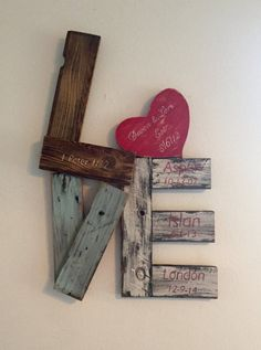 Unique reclaimed wood LOVE sign by Ivebeenreclaimed on Etsy Wood Crafts etsy Ivebeenreclaimed Love reclaimed Sign Unique Wood Pallet Art, Diy Pallet Projects, Craft Projects, Repurposed Wood Projects, Easy Woodworking Projects, Pallet Ideas, Project Ideas, Crafts To Make, Home Crafts