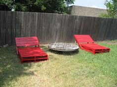 Build some lounge chairs for your garden with pallets Build a sun lounger (chaise long) for your garden with pallets
