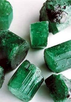 green nails beautiful emerald green color gemstones // Emeralds are gem-quality beryls which are green to blue-green Minerals And Gemstones, Crystals Minerals, Rocks And Minerals, Green Gemstones, Green To Blue, Shades Of Green, Green Colors, Colours, Types Of Crystals