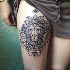 -tête d'animaux Lion -fleurs