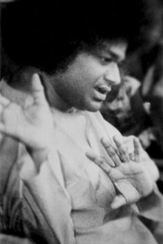 From: Sathya Sai Organisation http://www.sathyasai.org/pictureinfo/perfectform/perfect.htm