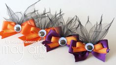 Too Cute To Spook: Halloween Hair Clips - Ribbon Resource Online Hi everyone! It's Ribbonista Karen, and I am here today to share a little projects that puts the cute in spook!My oldest daughter does not get to wear her Halloween Hair Clips, Halloween Bows, Halloween Crafts, Ribbon Crafts, Ribbon Bows, Ribbons, Holiday Hair Bows, Kids Hair Bows, Adornos Halloween