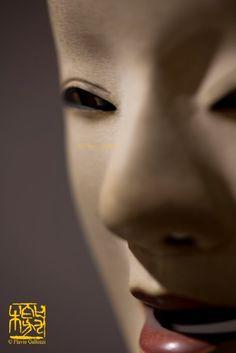 写真 (shashin) in love: Nō mask ~ So very beautiful Japanese Haiku, Turning Japanese, Japanese Art, Noh Theatre, Theater Masks, Japanese Noh Mask, Sea Of Japan, Japan Architecture, Toulouse