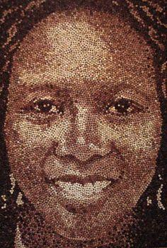 Así queda el retrato realizado con corchos de botellas