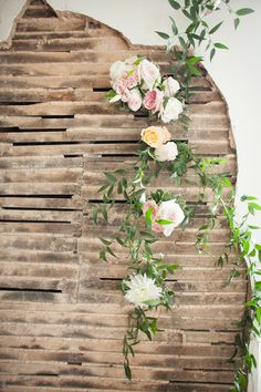 rustic background for wedding ceremony #weddingceremony #rusticwedding #weddingchicks http://www.weddingchicks.com/2014/02/06/simple-comforts-wedding-inspiration/