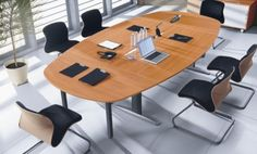 Stoły i meble konferencyjne, zobaczcie sami jak to niesamowicie wygląda: http://www.arteam.pl/kolekcje/meble-konferencyjne/