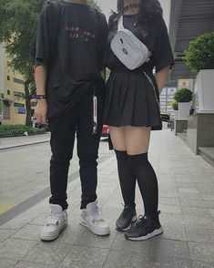 Clothes you can wear with your partner Edgy Outfits, Korean Outfits, Grunge Outfits, Girl Outfits, Cute Outfits, Fashion Outfits, Ulzzang Fashion, Asian Fashion, Moda Ulzzang