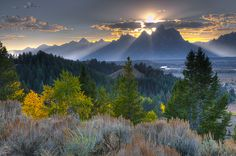 America's Great Outdoors - Grand Teton National Park in Wyoming is truly breathtaking! This Sunday, April 19, from 2-4 pm ET join park rangers at Grand Teton for the first ever national parks #Instameet. From Yosemite National Park and Golden Gate National Recreation Area to Everglades National Park and Blue Ridge Parkway, national parks across the country are hosting #FindYourParkInstaMeet – check with your favorite park to see if they are participating. Sunset photo at Grand Teton…