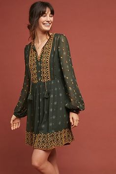 Anthropologie NWT Amina Tunic Dress by Akemi + Kin Embroidered Green size M Stylish Dress Designs, Stylish Dresses, Casual Dresses, Dresses Dresses, Indian Designer Outfits, Designer Dresses, Estilo India, Boho Fashion, Fashion Dresses