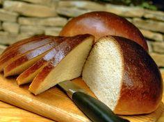 Il pan brioche Bimby è una preparazione molto soffice e buona da servire a colazione o a merenda a grandi e bambini. Ecco la ricetta