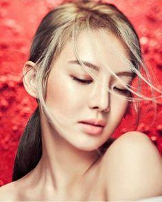 SNSD HyoYeon is a beautiful 'Red Flower' for Creative Book Sooyoung, Yoona, Snsd, Kim Hyoyeon, Kpop Girl Groups, Korean Girl Groups, Kpop Girls, Girls Generation Hyoyeon, Taeyeon Jessica