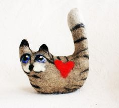Cats Felted Cat Felted Animal Felted Kitty Cat Gift White Cat Figurine Collectible Kitty Cat Artwork  Hand felted from Norwegian crossbred sheep wool. This cat can sit anywhere: on the table, on the computer, shelf... Nice gift for those people who are allergic to cats .... then they can have cat without health damage!  L,. 16,5cm.- 6,5 h. with tail- 20cm- 8 inch.  I handmade cats in different colors and it takes 2-3 days.  Shipping to USA , Canada,Australia from Norway will take around 8-10…
