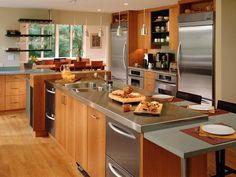 Cocina decorada en madera y acero inoxidable