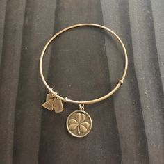 Wind and Fire Shamrock Bracelet GUC Wind and Fire shamrock gold bracelet.  This brought me a lot of luck, maybe this could be your lucky charm! Wind and Fire Jewelry Bracelets