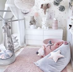 Mind-blowing teenage girls room - check out our write-up for additional innovations! Nursery Room Decor, Childrens Room Decor, Baby Bedroom, Girls Bedroom, Elegant Baby Nursery, Desk For Girls Room, Room Kids, Baby Room Design, Toddler Rooms