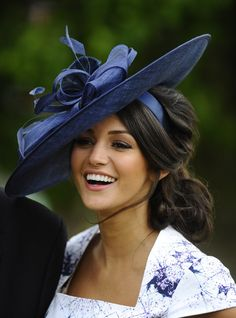 Michelle Keegan's stunning new look at the races - Photo 1 | Celebrity news in hellomagazine.com Love the hat and hair