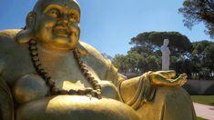 Buddha Eden Garden - Aceite o nosso convite e venha visitar a Quinta dos Loridos, onde se encontra o maior jardim oriental da Europa, o… Buddha Eden Garden, Garden Of Eden, Lewis Carroll, Portugal, Cultural, Cool Pictures, Places To Go, Image, English