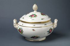 Tureen and cover | Nast's porcelain factory  France  1790  V&A Search the Collections