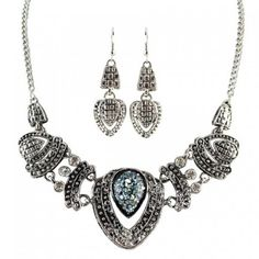 Stunning Silver Earring Necklace Set