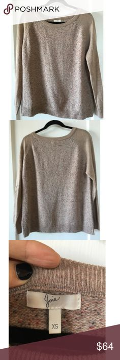 Joie oatmeal wool silk raglan crew sweater XS This sweater from Joie is warm and soft. It is oversized and would fit an XS - S while still maintaining a slouchy fit. It has some spots of slight piling which are not noticeable unless you looks closely. I'm reducing the price to reflect this. Joie Sweaters Crew & Scoop Necks
