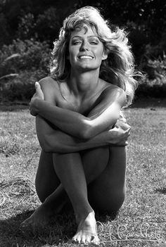 Farrah Fawcett, can you remember the 70'S? I used to think she was so beautiful growing up.