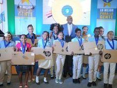 ASDE premia con laptops a estudiantes meritorios de San Luis