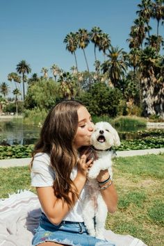 30 Ideas for photography fashion outdoor trees Best Dogs For Families, Family Dogs, Photos With Dog, Dog Pictures, Dog Poses, Cute Dogs, Cute Puppies, Foto Pose, Animal Photography