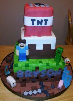Minecraft birthday cake . Creeper