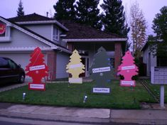 Best Decorating Lawn For Christmas This Year 08 Christmas Lawn Decorations, Christmas Yard Art, Christmas Wishes, Winter Christmas, Christmas Themes, Christmas Morning, Christmas Stuff, Merry Christmas, Funny Ornaments