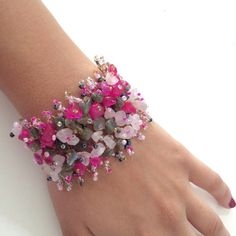 Pink Carpet Bracelet Looks just like the pictures. NWOT Jewelry Bracelets