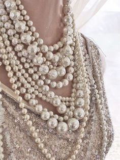 (via pearls pearls pearls | necklace | Pinterest)